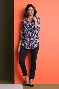 Image: Plus Women's Floral V-Neck Top With Ring Detailing